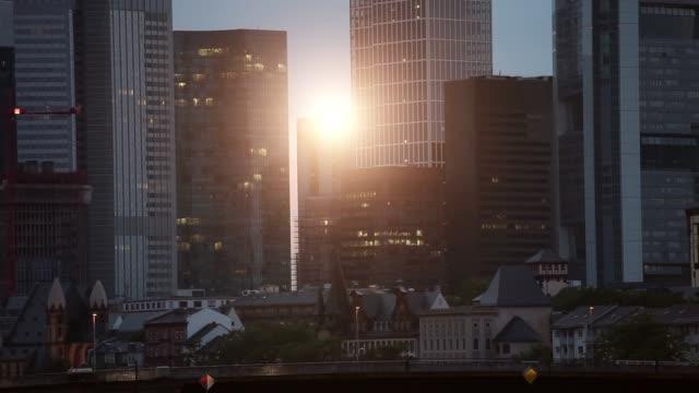 frankfurt at sunset - francoforte sul meno video stock e b–roll