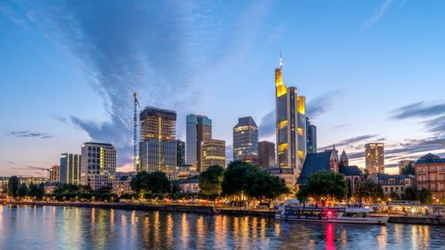 frankfurt city skyline day to night sunset timelapse, frankfurt, germany 4k time lapse - francoforte sul meno video stock e b–roll
