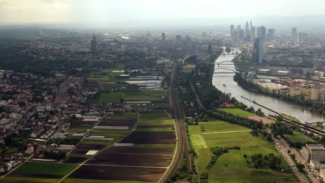 frankfurt cityscape and the main river - francoforte sul meno video stock e b–roll