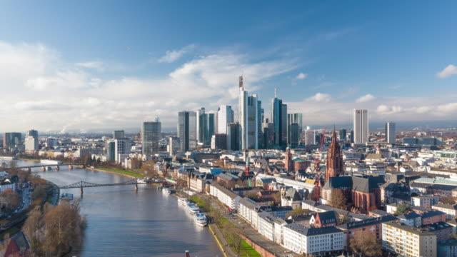 frankfurt skyline by day - francoforte sul meno video stock e b–roll