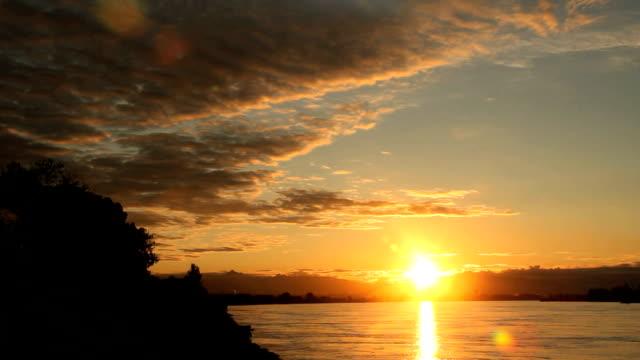 fiume fraser, sole di mattina - fiume fraser video stock e b–roll