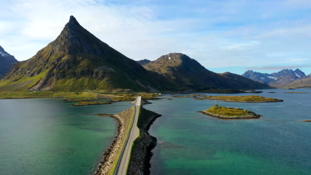 vídeos de stock e filmes b-roll de fredvang bridges panorama lofoten islands - reine