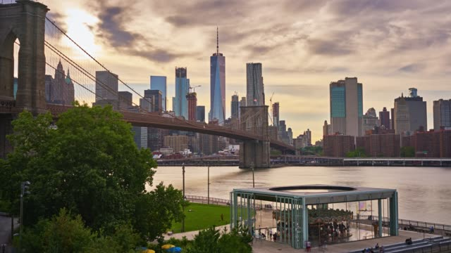 Freedom tower, Manhattan business district, Brooklyn bridge video