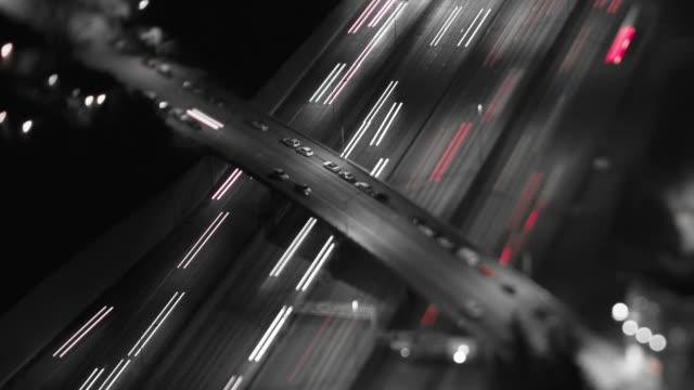 高速道路のタイムラプス撮影泊 tilt shift - 都市 モノクロ点の映像素材/bロール
