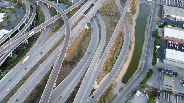高 速 道路 - 州間高速道路点の映像素材/bロール