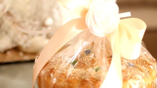 結婚式のためのフランスパン - 食パン点の映像素材/bロール
