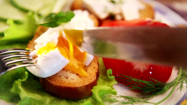 French national meal :  Poached egg video