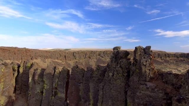 vídeos y material grabado en eventos de stock de frenchman coulee en quincy washington state usa - basalto