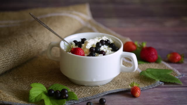 fresh homemade cottage cheese with summer berries video