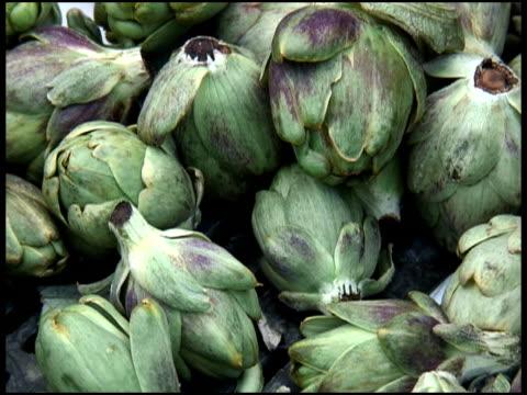 Fresh Organic Mini Artichokes / Minichokes video