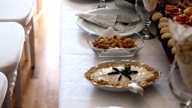 vidéos et rushes de salades fraîches snack - banquet