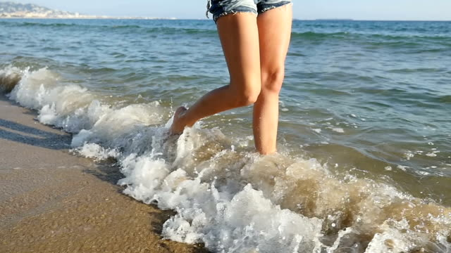 Freshness of sea walking video