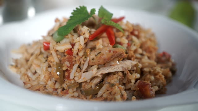 Fried rice with tuna video