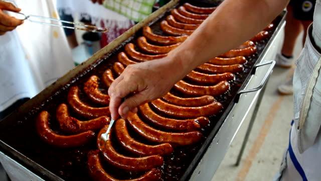 fried sausages - korv bildbanksvideor och videomaterial från bakom kulisserna