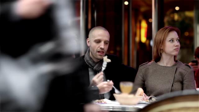 Friends Cafe Paris video