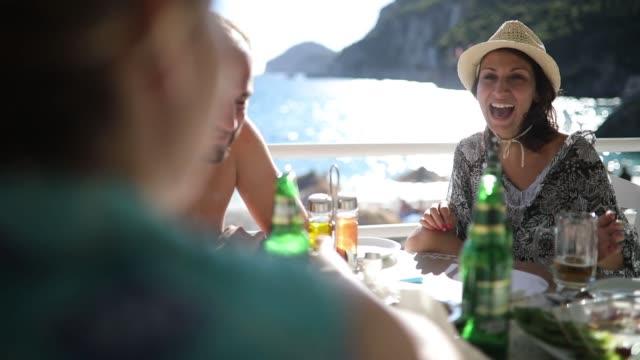 vänner att ha kul på semester - grekland bildbanksvideor och videomaterial från bakom kulisserna