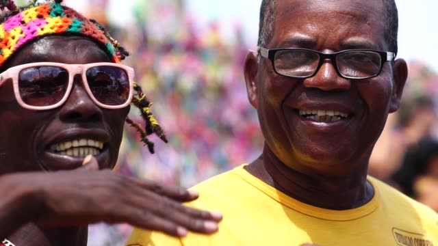 vídeos y material grabado en eventos de stock de amigos sonriendo - caribe