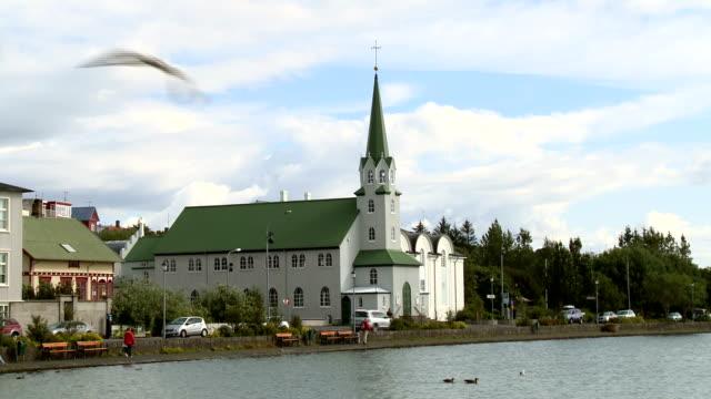 stockvideo's en b-roll-footage met fríkirkjan kerk - nieuwe testament