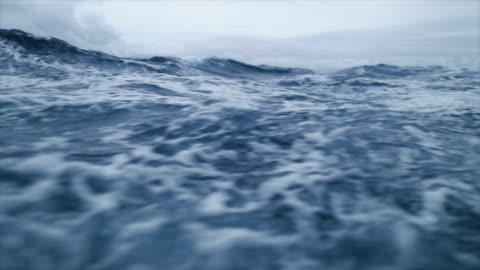 vídeos de stock e filmes b-roll de from the porthole window of a vessel in a stormy sea - escuro