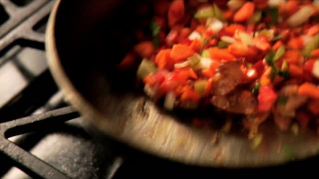 fryng cibo - alliacee video stock e b–roll