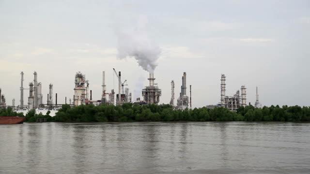 fuel plant - flod vatten brygga bildbanksvideor och videomaterial från bakom kulisserna
