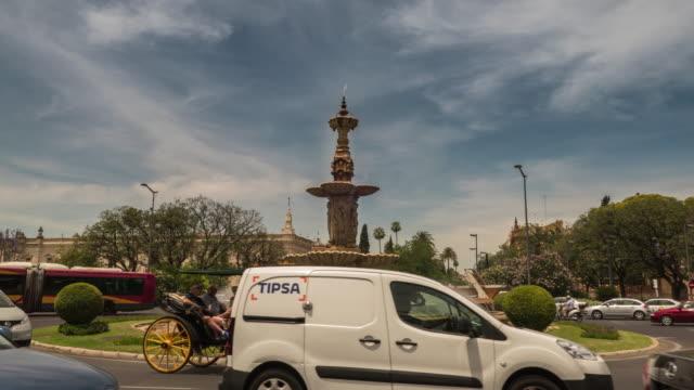 fuente calle san fernando timelapse sevilla españa - vídeo