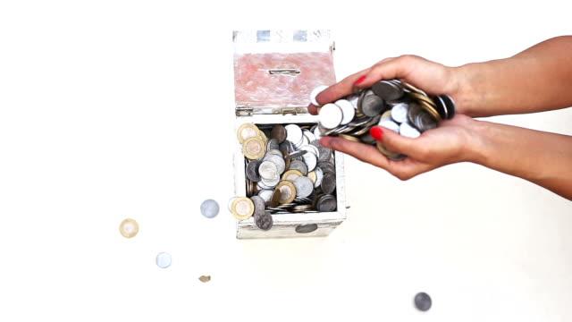 Full fill piggy bank video