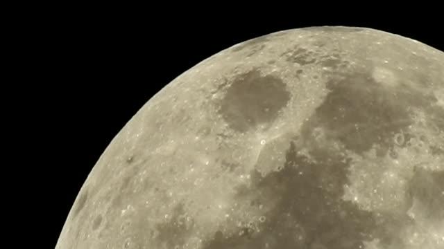 Full moon rising ビデオ