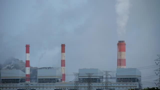 stockvideo's en b-roll-footage met dampen uit kolencentrale - broeikasgas