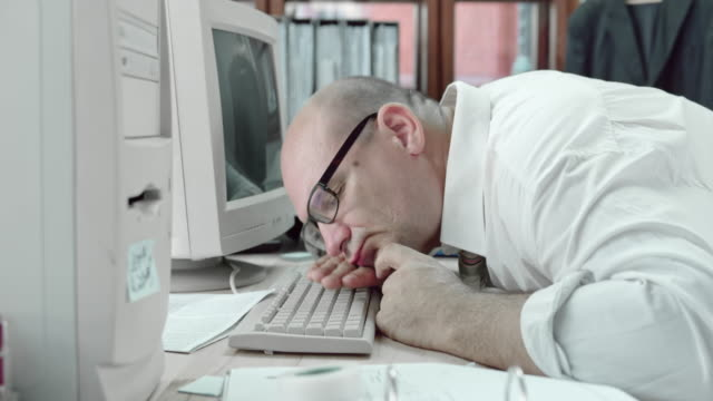 DS Funny business man sleeping on his computer keyboard video