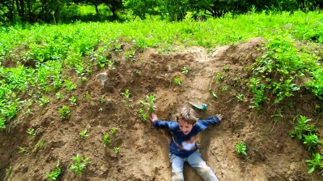 Funny Kids Sleighing on Dirt video