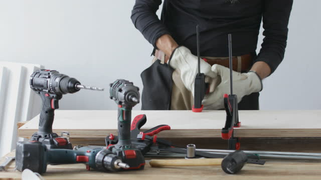 Furniture making, woodwork, carpenter clamps video