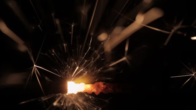 퓨즈 스파크 - 촛불 조명 장비 스톡 비디오 및 b-롤 화면