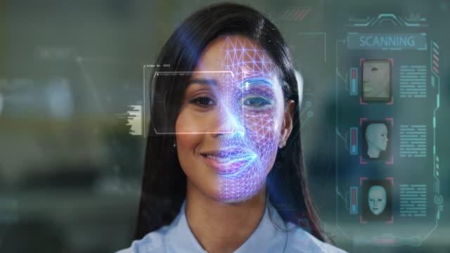futuristisches und technologisches scannen des gesichts einer schönen frau für gesichtserkennung und scannen, um persönliche sicherheit zu gewährleisten - wissenschaftlerin stock-videos und b-roll-filmmaterial