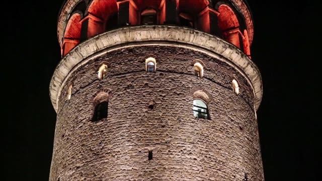 i̇stanbul'da gece galata kulesi - ihsangercelman stok videoları ve detay görüntü çekimi