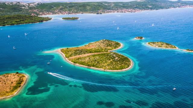 vídeos de stock e filmes b-roll de aerial: galesnjak island in croatia - ilha