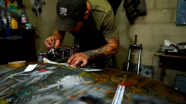 Garage painting car master airbrushing video