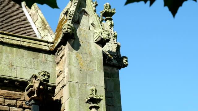 gargoyles on st martin's church, birmingham. - gargoyle video stock e b–roll