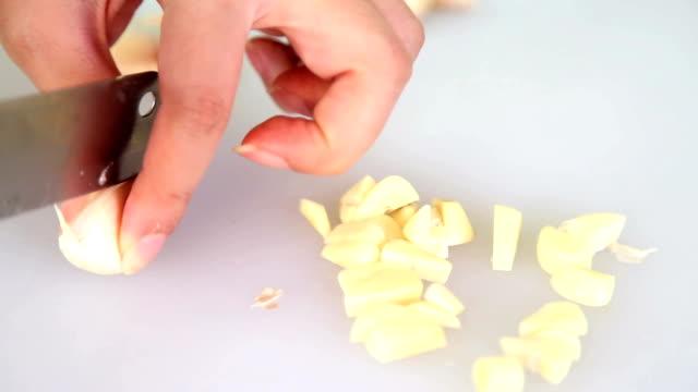 Garlic Prepared Garlics for Cook peeled stock videos & royalty-free footage