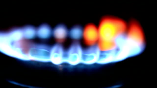 mutfak fırın gaz brülörleri - bunsen beki stok videoları ve detay görüntü çekimi