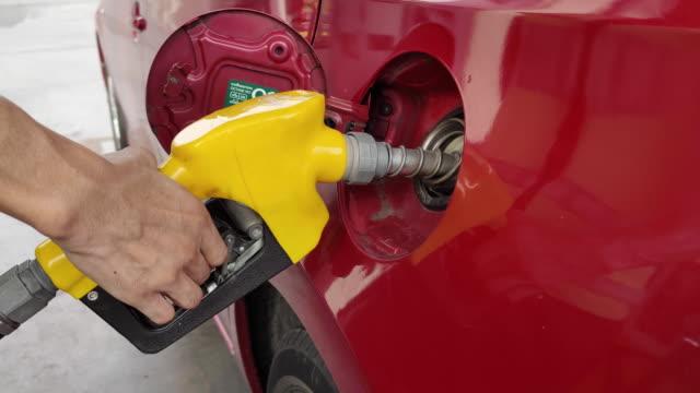gas station - биотопливо стоковые видео и кадры b-roll