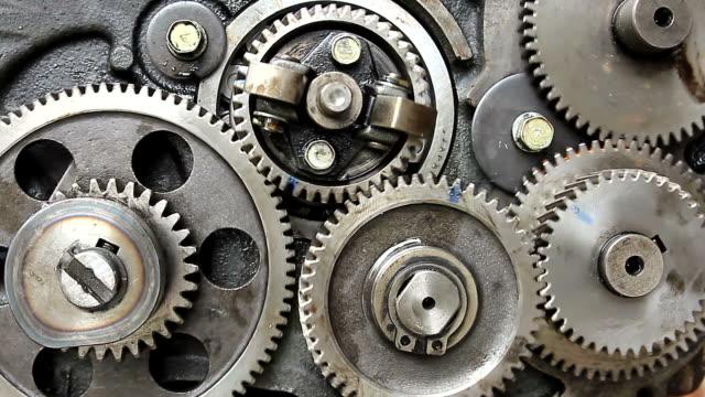vídeos de stock e filmes b-roll de gears of engine - dentes