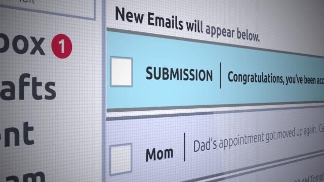generische e-mail neue posteingang - zulassungsbescheid der hochschule in e-mail - abmachung stock-videos und b-roll-filmmaterial