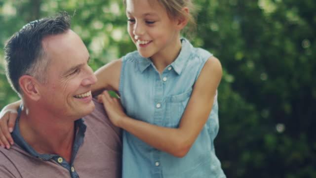 vídeos y material grabado en eventos de stock de plantilla genérica de los padres, niño - madre e hijos
