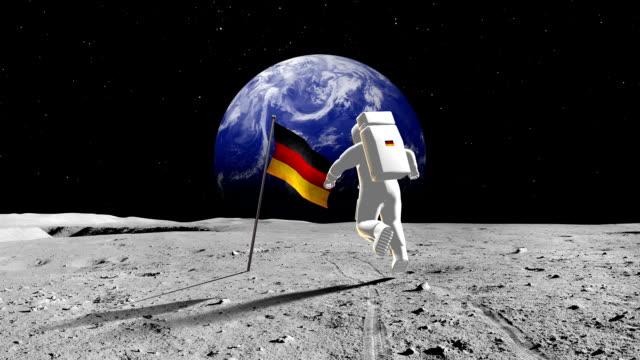 deutsche astronaut auf einem planeten - aerial view soil germany stock-videos und b-roll-filmmaterial