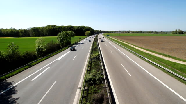tedesca autobahn - autobahn video stock e b–roll