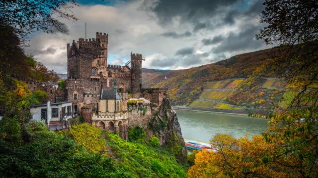 vídeos de stock, filmes e b-roll de alemanha, castelo medieval - castelo
