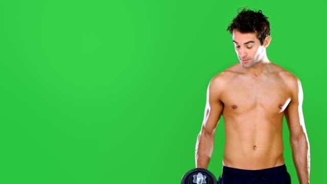 halten sie sich fit oder gehen sie zu hause!  - nackter oberkörper stock-videos und b-roll-filmmaterial
