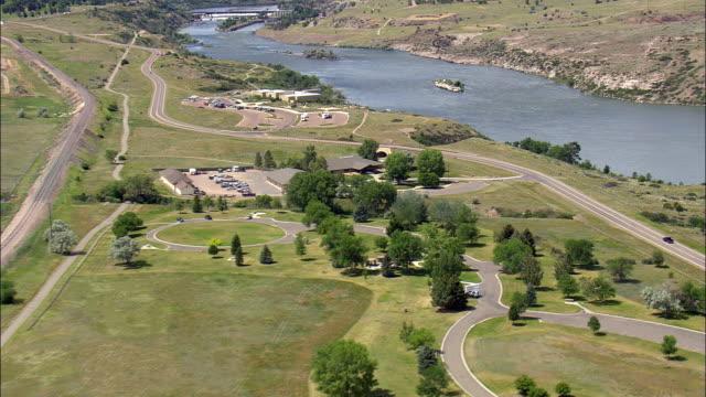 giant springs parco statale vista aerea-montana, cascata contea, stati uniti - molla video stock e b–roll