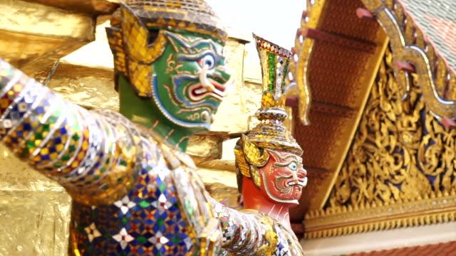 Giant statue around Wat Phra Kaew Temple Of Emerald Buddha. Landmark of Bangkok, Thailand video